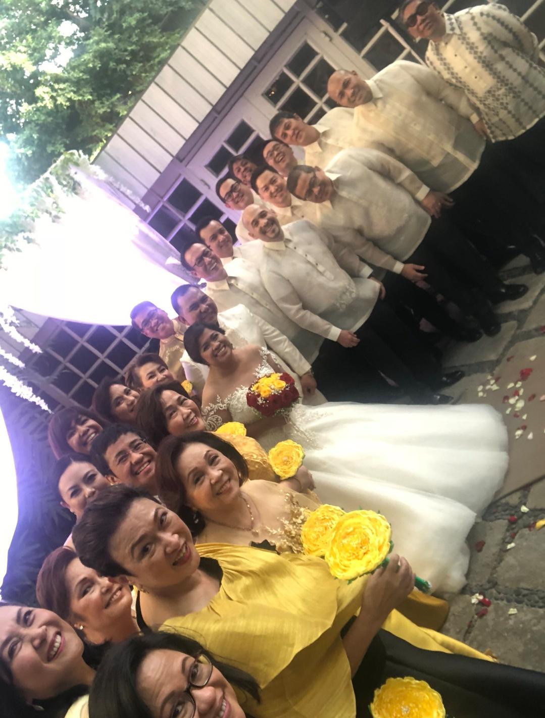 Congratulations to @PinoyAkoBlog on her wedding day!